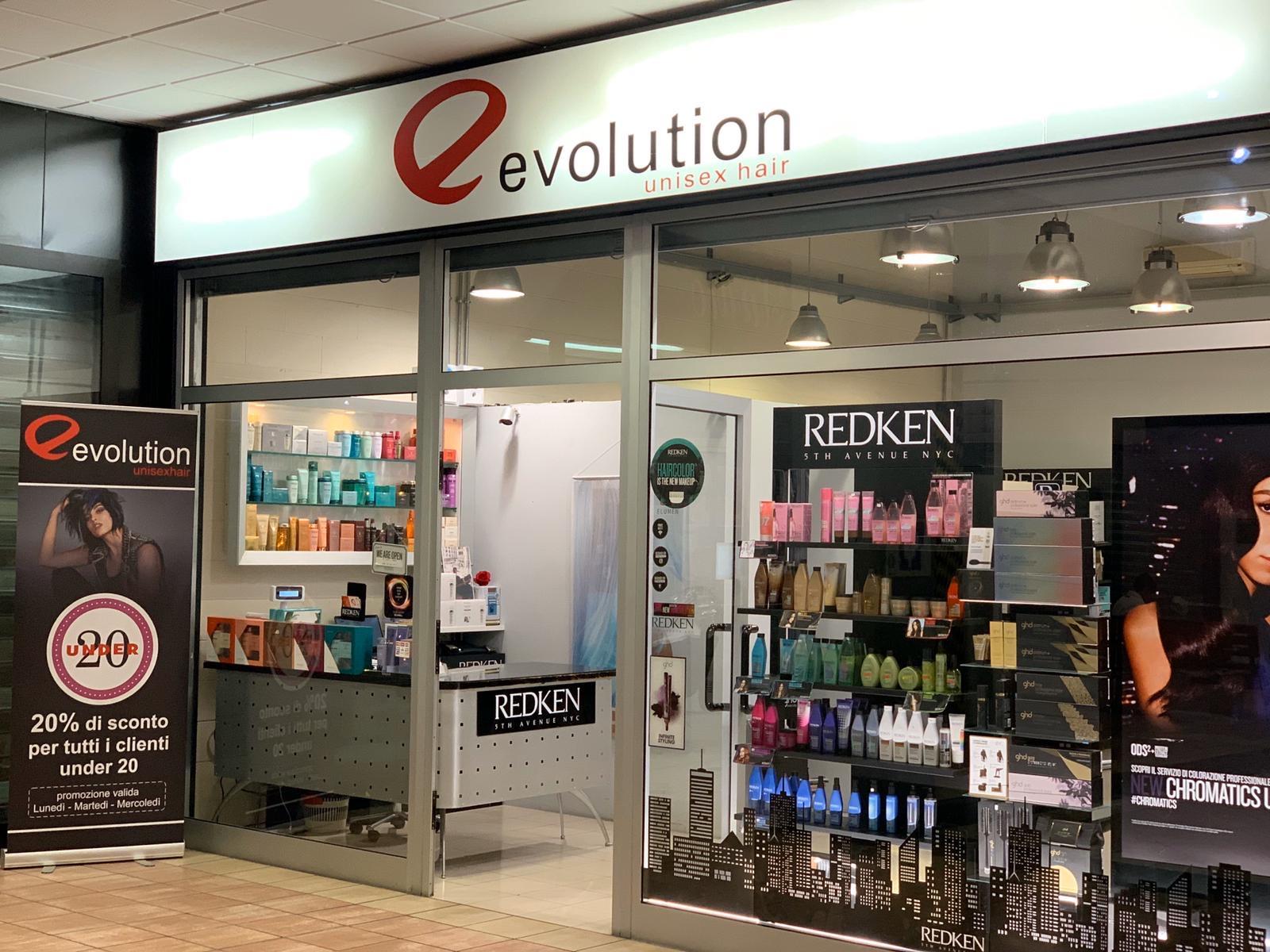 EVOLUTION UNISEX HAIR a Viale Amendola 220, Centro Commerciale IL FARO La Spezia